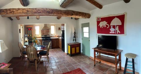 Private adobe casita★ Clear skies★ Beautiful views