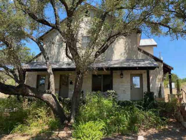 Hill Country Ranch Guesthouse-Relax in the Hills.