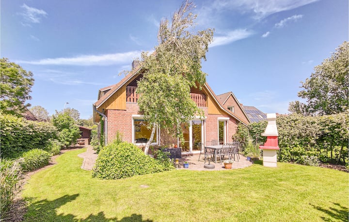 Nice home in Dagebüll with WiFi and 4 Bedrooms