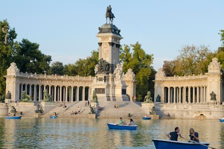 Retiro Park!! Atocha & Downtown ALL (we speak ENG) - Madrid
