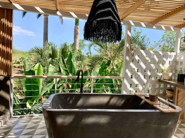 Guesthouse Tamarindo. brand new with private pool