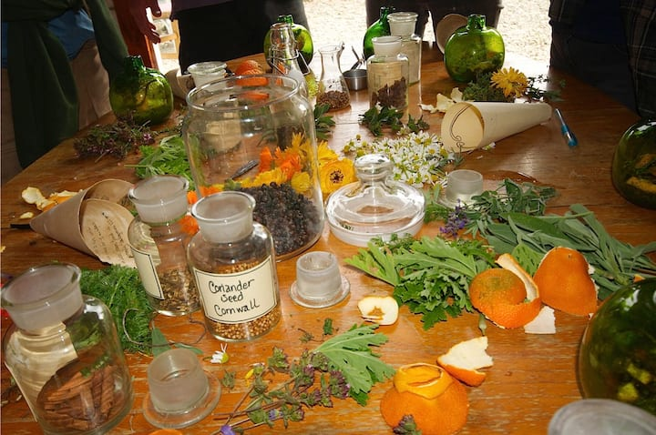 The GIn designing table