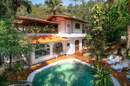 Beautiful house in nature's paradise w. waterfall