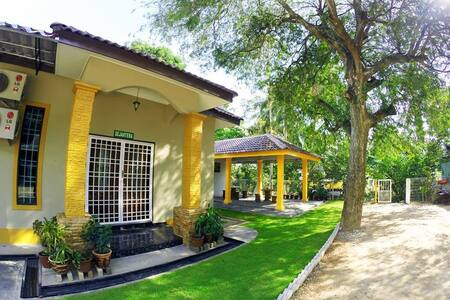 AKT Harmoni HomeStay Tanjung Bidara Melaka - Masjid Tanah
