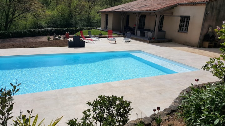 Villa with 3 bedrooms in Fumel, with private pool, enclosed garden and WiFi