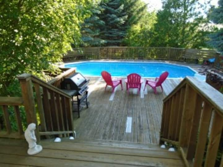 Enjoy the beach, heated pool or by the fireplace.