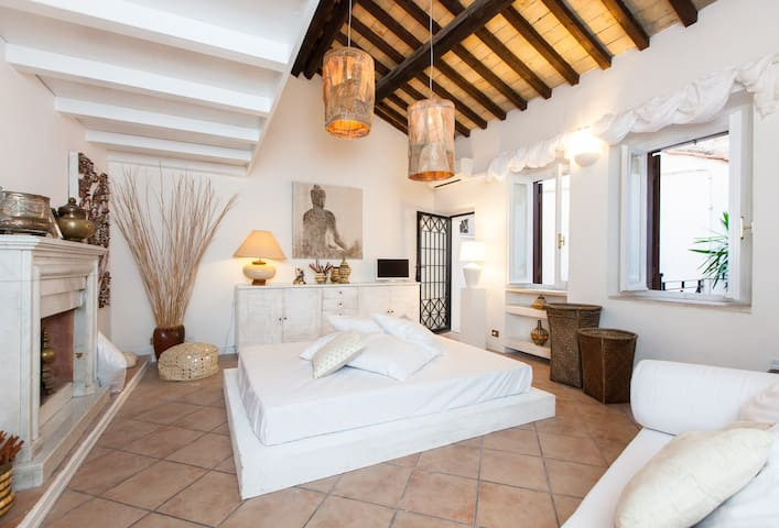 OFFER!! Navona White  with Terrace - Rome - House