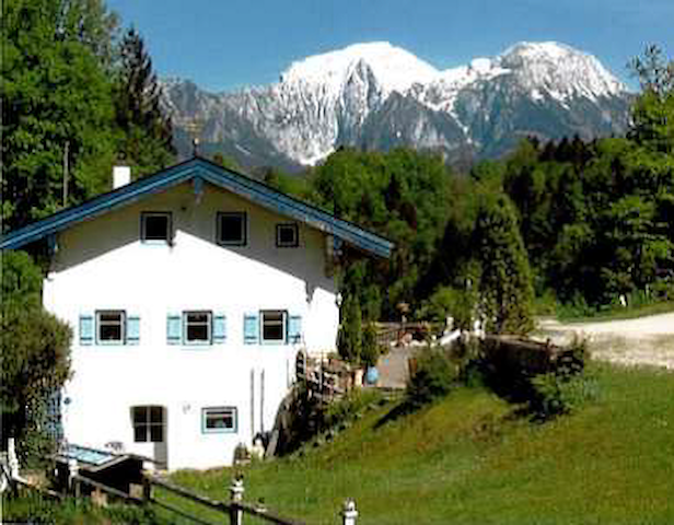 Old mill with a view of Berchtesgaden mountains - Ramsau bei Berchtesgaden - Dům