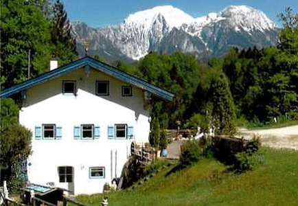 Old mill with a view of Berchtesgaden mountains - Ramsau bei Berchtesgaden - House