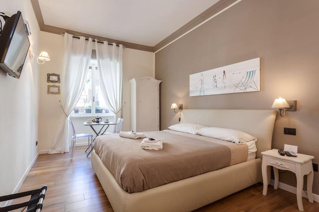 rome the eternal city chambres d 39 h tes louer rome latium italie. Black Bedroom Furniture Sets. Home Design Ideas