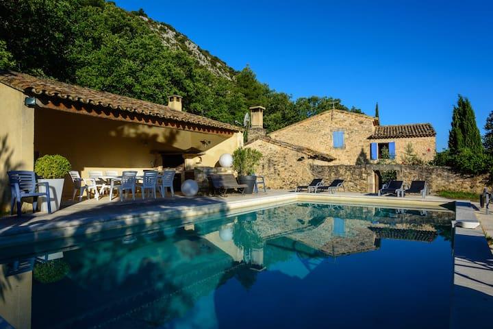 Mas provençal - Maubec - Villa