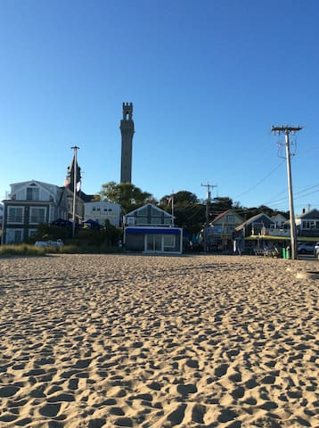 Private cottage in a hot location - Provincetown - Chatka