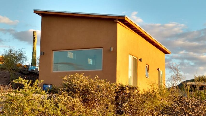 Hilltop Guest House with Spectacular Views - Tucson - Guesthouse
