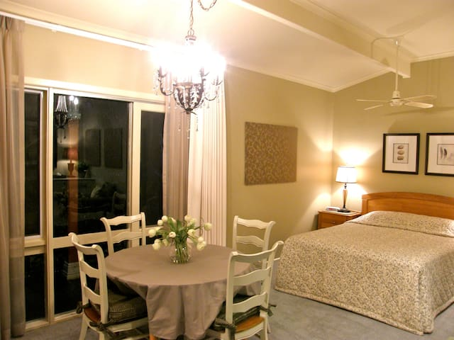 Rose - dining table & queen sized bed
