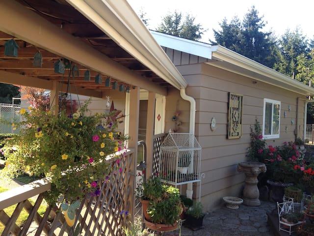 Sunny garden cottage - Eugene - Appartamento