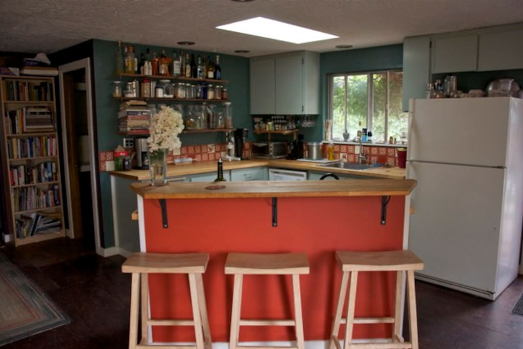 A social kitchen - Friends can hang out at the bar while you cook or mix cocktails.