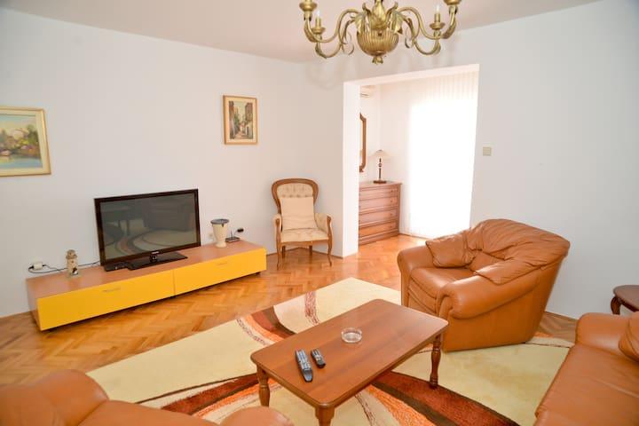 Classic Appartment Close To Sea - Zadar - Apartmen