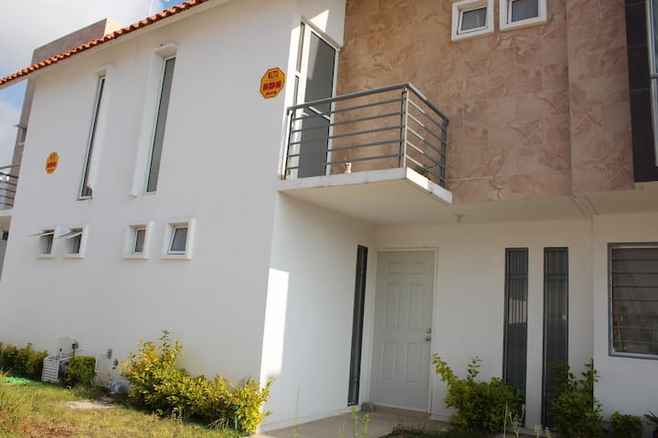 Casa entera, segura, cómoda y confiable en SLP