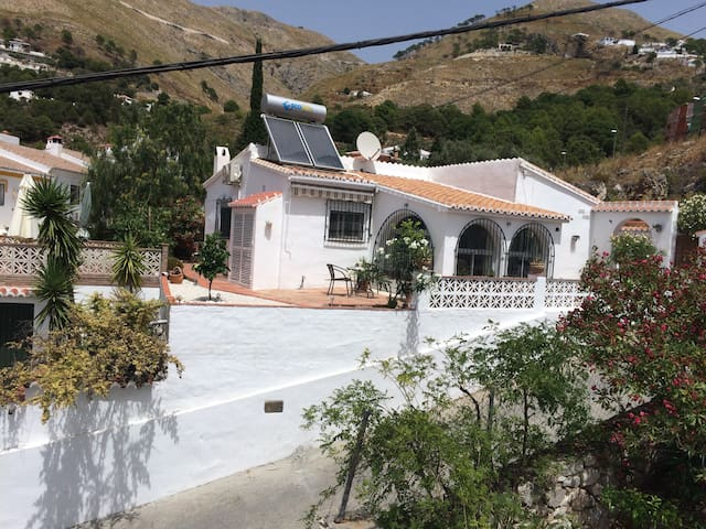 Lovely detached villa in Competa - Cómpeta - วิลล่า