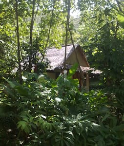 Lovely hut nestled in nature - Pondok