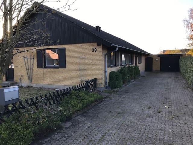 Ideal accommodation for craftsmen- Håndværkerbolig
