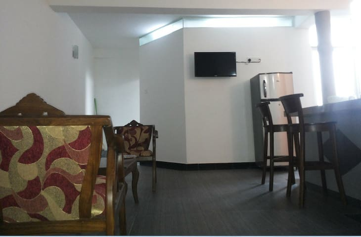 Fully Furnished 1 AC Bedroom Apt - Dehiwala-Mount Lavinia - Appartement