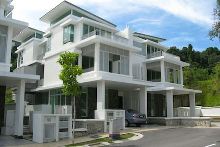 Luxurious and Modern Villa - Batu Feringghi - 別荘