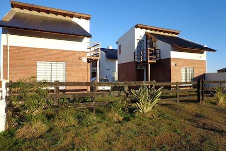 DUPLEX CABAÑA, PARA 4 PERSONAS - Las Toninas - Cottage