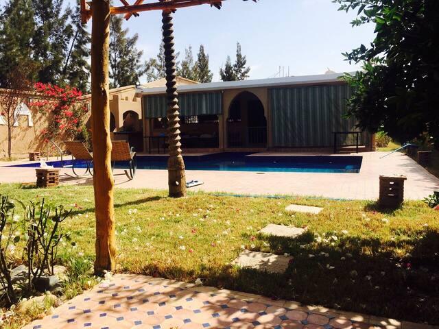 Villa de luxe with a pool