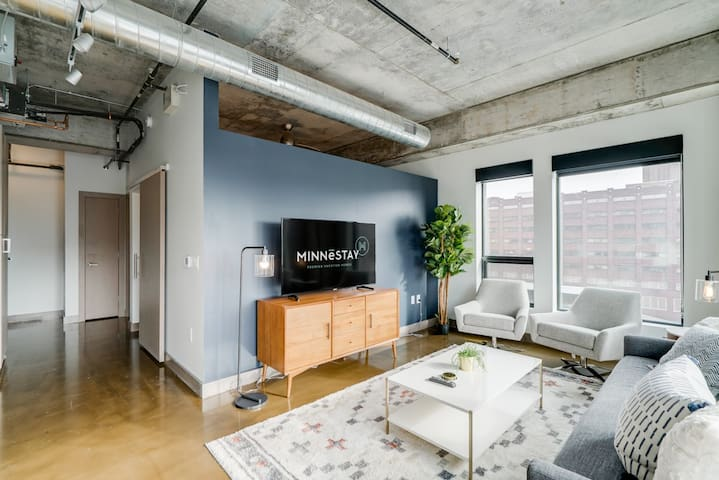 Minnestay* Sable 58 One Bedroom ♥ Corner Minneapolis Views ♥ North Loop