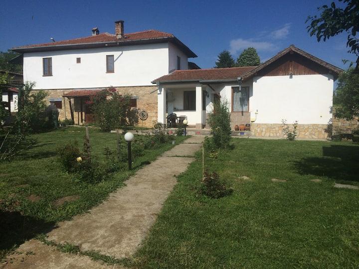 Mateevi's Guest Rooms village of Arbanassi