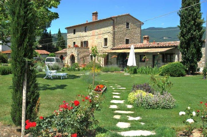 IL Moro Novo, Tuscan farmhouse apt.