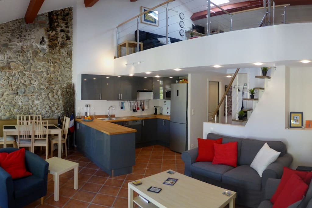 You have a modern well-equipped kitchen if you wish to cook, though with the restaurants of Céret you may not want to.
