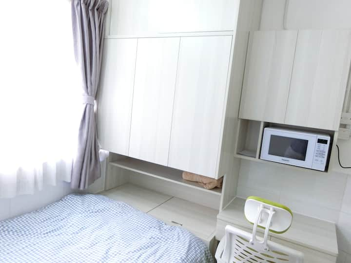 Renovated Spacious Studio Close to Olympic/Mgk MTR
