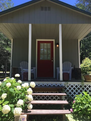 The Refuge: Tiny Houses