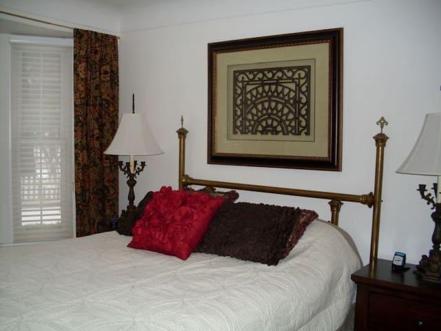 Luxe cottage-type living. - Port Dover - Aamiaismajoitus