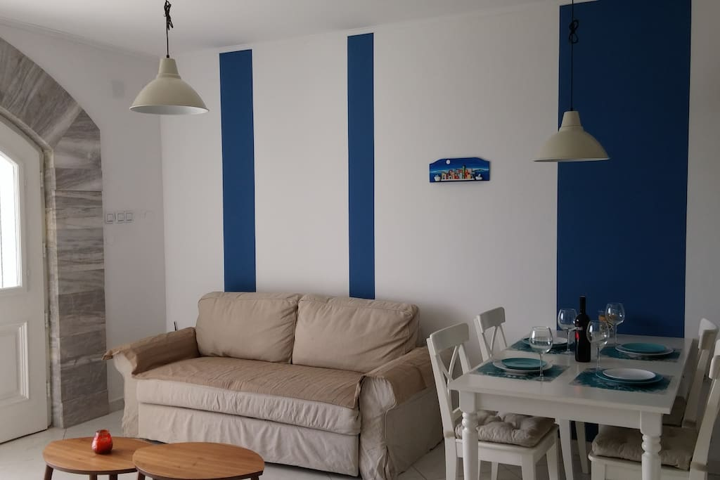 lining room with pull out sofa
