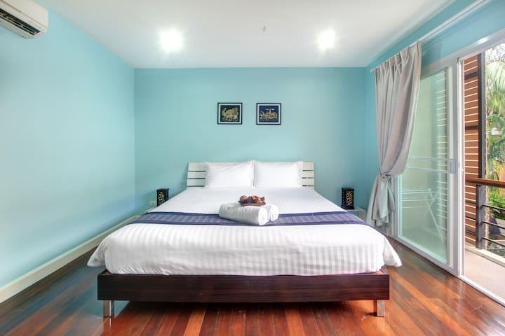 Wonderful pool house Kata Deluxe room