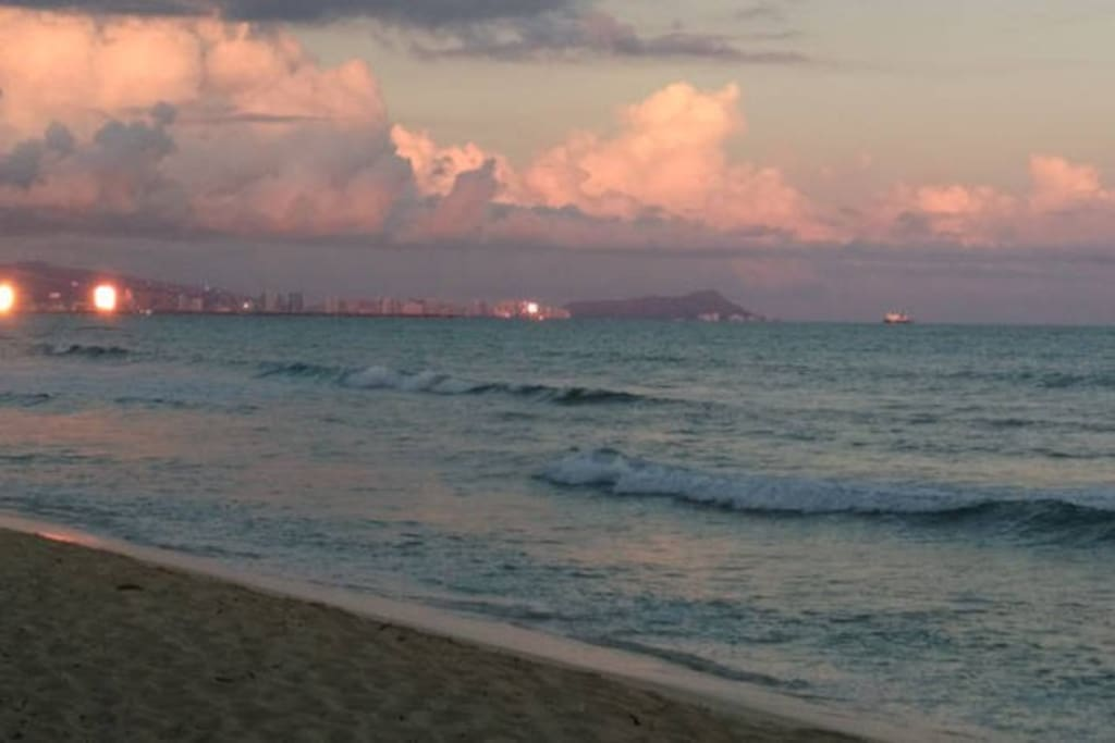 Sunset on Ewa Beach with Waikiki on the horizon... just steps from Treetop Studio