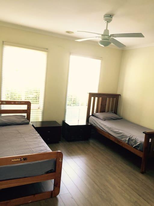 房間採光良好,空間舒適