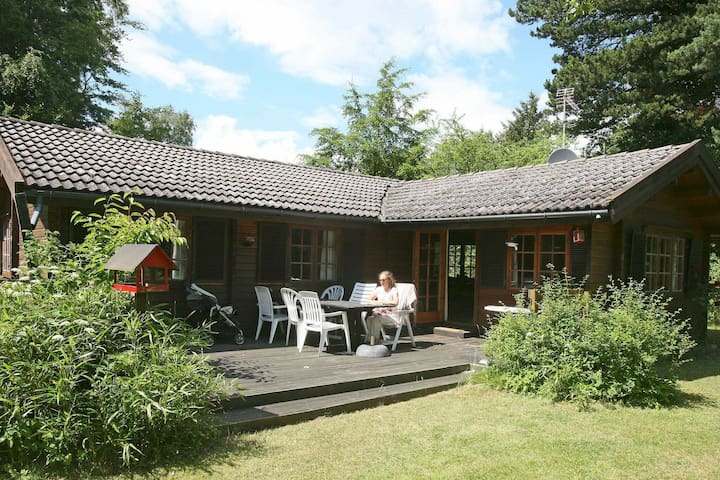 Comfortable Holiday Home in Væggerløse with Barbecue