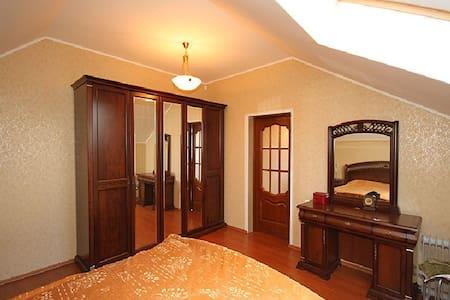 2 комнаты в частном доме в риге - Dreiliņi - Rumah