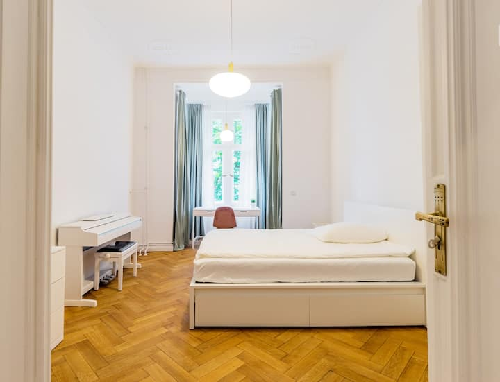 Wagner House- Beautiful room in Berlin