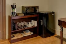 convenient guest amenities & appliances