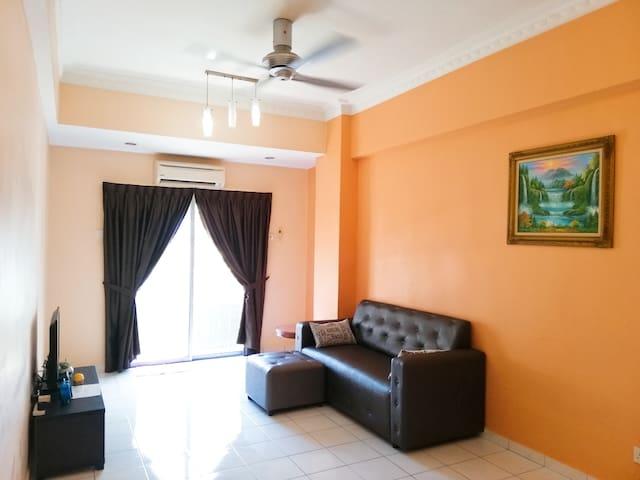 Hot Deal @ Bukit Jalil.  Home Stay.@武吉家里尔国家体育馆附近