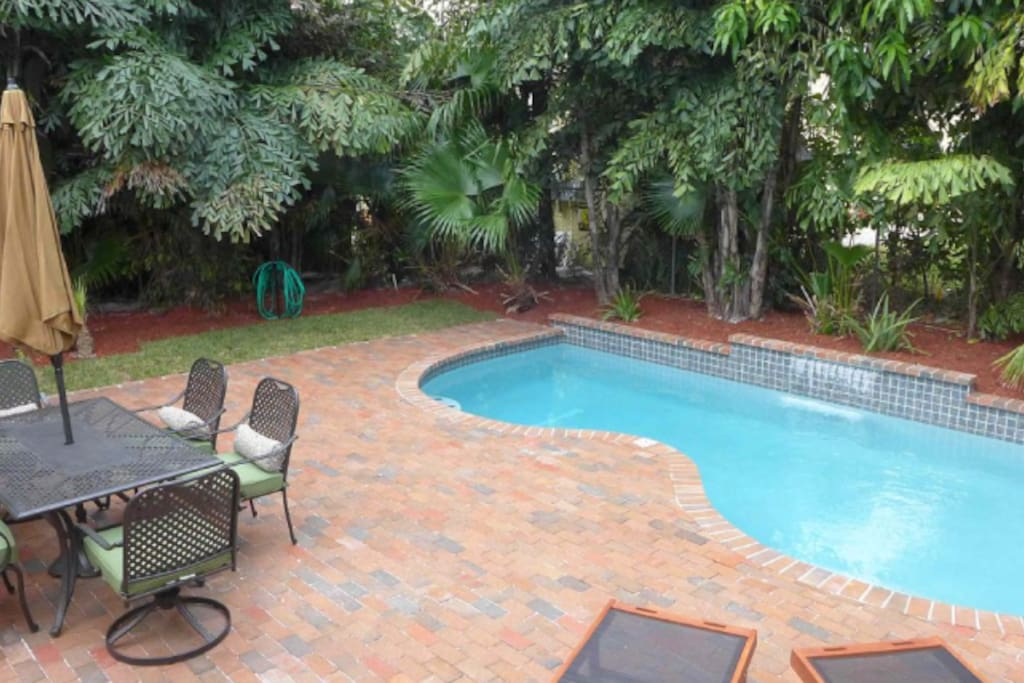Brand new swimming pool and outdoor seating for 6
