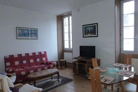Appartement entièrement rénove - Mirambeau