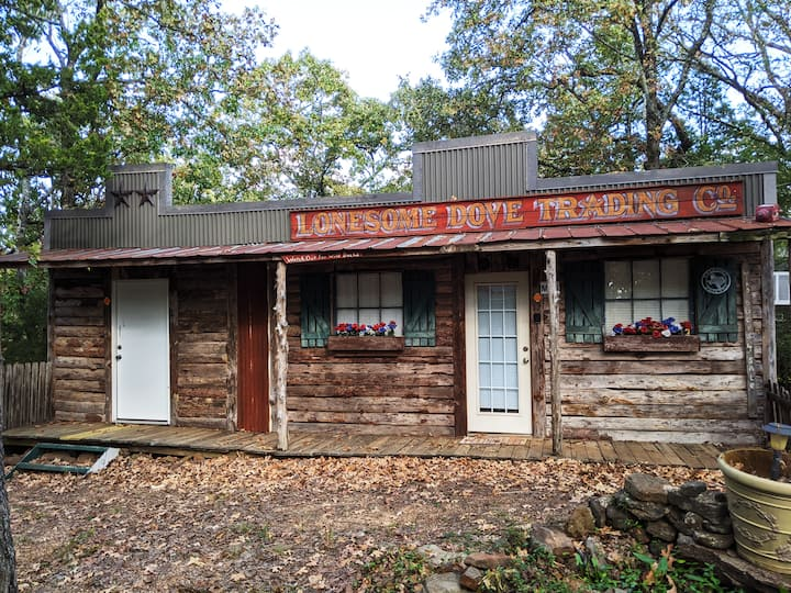 Lonesome Dove Bed & Bath on The Mountain
