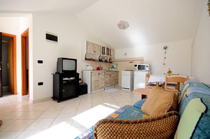 Apartment Riko (70241-A3) - Rakalj - Flat