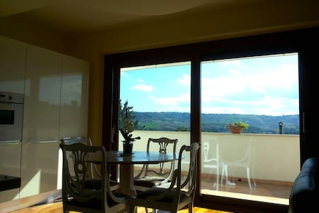 Rooms with view on Marche hills - Rumah